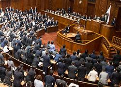 国民投票法改正案が衆院通過 衆院本会議
