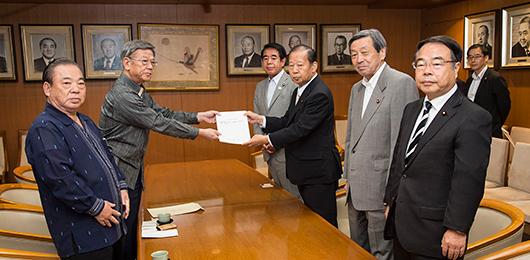 翁長沖縄県知事と面会